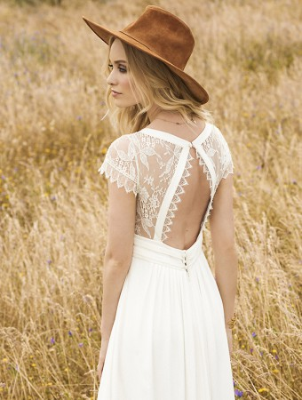 Rembo-styling-2017-Aimee-1-C-close-up-back-HR
